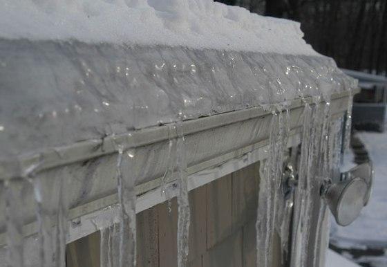 Frozen-gutter